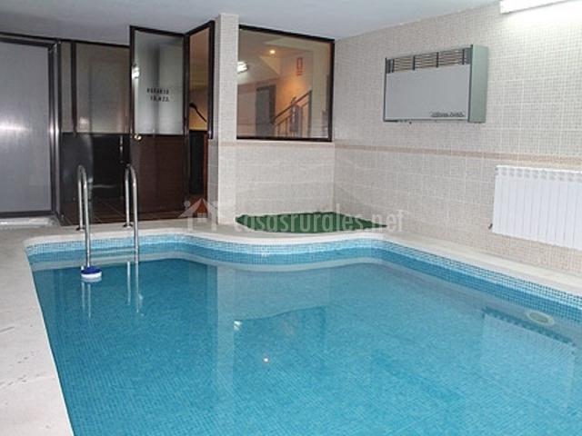 La p rgola en la cabrera madrid - Casas con piscina interior ...