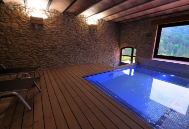 Casas rurales en catalu a de lujo - Casas con piscina interior ...