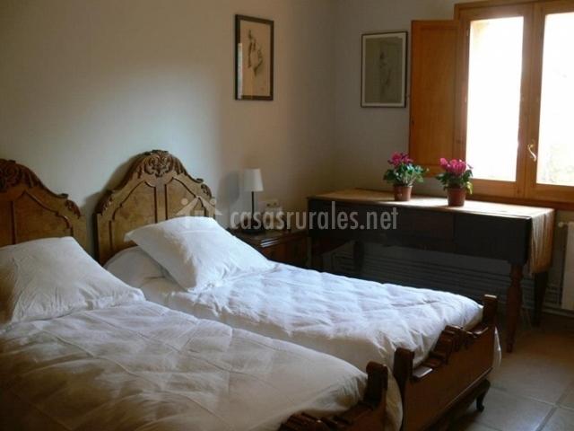 Can seuba en rellinars barcelona - Dormitorios con dos camas ...