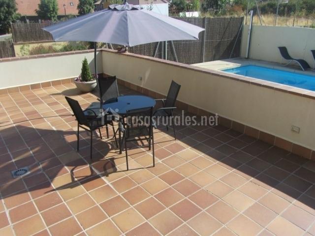 Casa de navalhorno en valsain segovia for Muebles para piscina