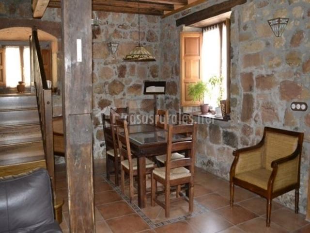 Muebles De Baño Urbion:Mesa de comedor para uso de los clientes