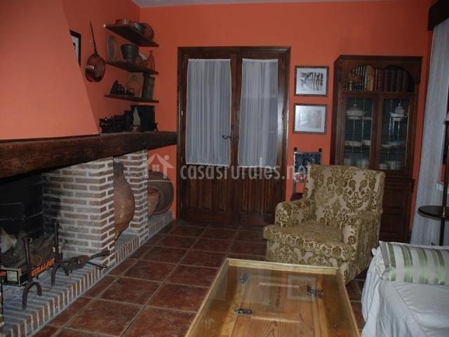 los olivos en mombeltran vila with como decorar un salon rustico con chimenea - Salones Rusticos Con Chimenea