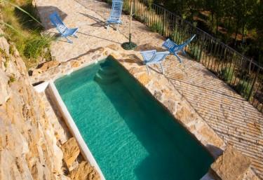 Casas rurales en culla con piscina for Alquiler casa rural piscina privada
