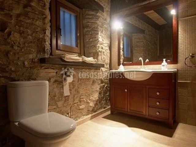 El viejo pozo en abejar soria for Banos de madera y piedra