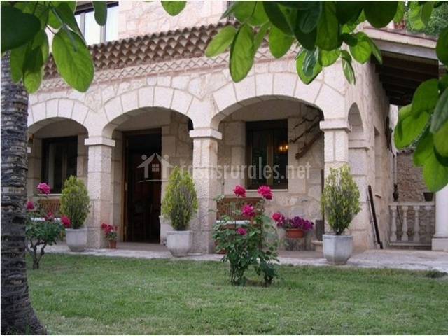 La palmera casa rural en milagros burgos for Casa rural casa jardin