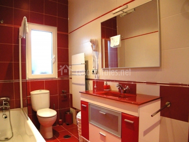 Baño General En Cama:Casa Rural El Cerezo en Chañe (Segovia)