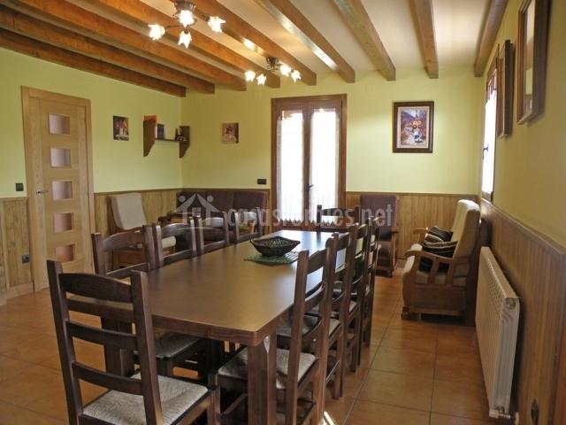 Sala De Estar Y Comedor ~ Landazelaia en Garzaingartzain (Navarra)