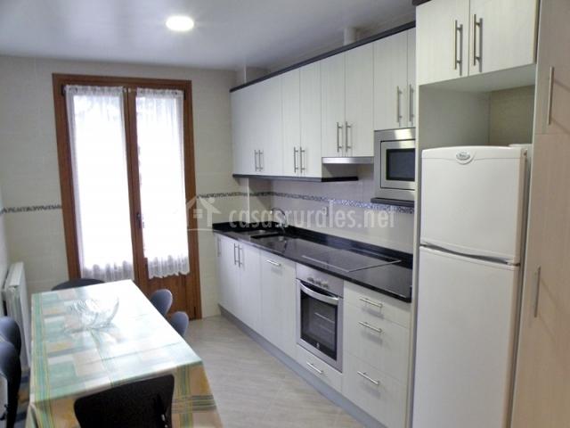 Apartamento bidartea en irurita navarra - Cocina al microondas ...