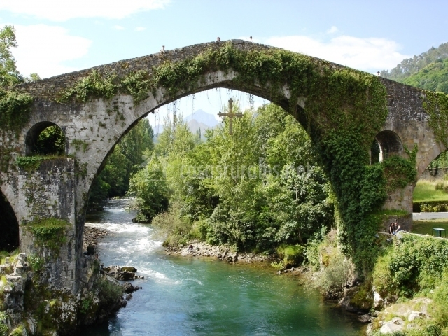 Puente Romano Matrimonio : Casa jamín en oseja de sajambre león