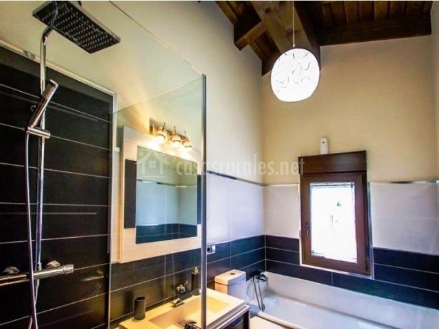 Casa rural miraconcha en villar de la yegua salamanca - Cuarto de bano con banera y ducha ...