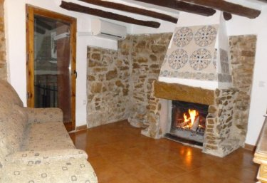 Casas rurales en xert chert con chimenea - Chimeneas en castellon ...