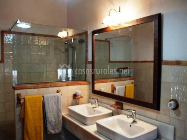 Muebles De Baño Yecla:cama de matrimonio dormitorio con dos camas cuarto de baño