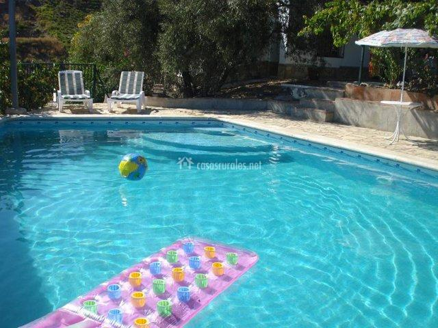 Casa colica c mpeta en competa m laga for Tumbonas piscina baratas