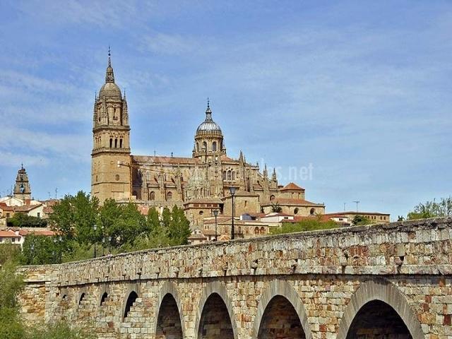 Puente Romano Matrimonio : El balcón de isabel en calvarrasa abajo salamanca