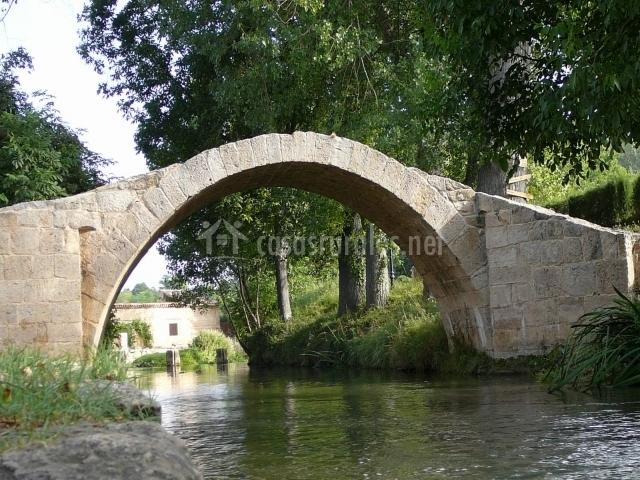 Puente Romano Matrimonio : Casa de la gloria en fuentes claras teruel