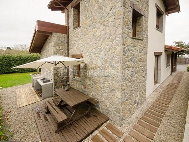 La gaveta en llanes asturias for Casa rural jardin del desierto tabernas
