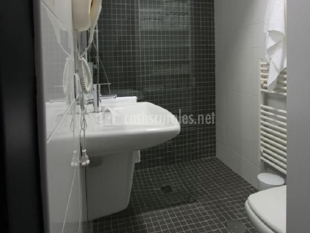 Baño General De Cama:cuarto de baño y estantería apartamento 2 cuarto de baño