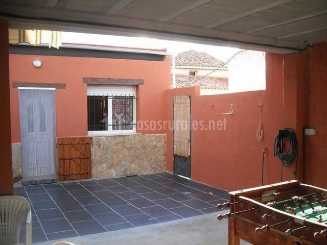 Casa rural singra en singra teruel - Cocinas con salida al patio ...