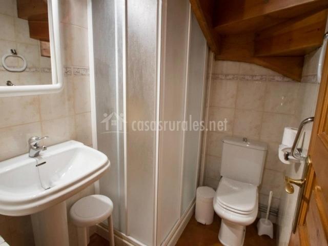 Casa ram n de baish i en escunhau lleida - Cuartos de bano con plato de ducha ...