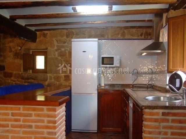 Casa finca el cerro en selaya cantabria - Cocina de ladrillo ...