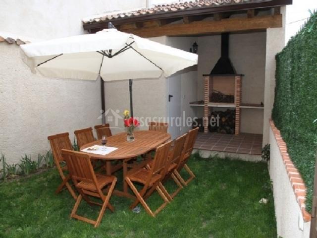 Apartamento tur stico san roque en fuenterrebollo segovia for Muebles san roque coristanco