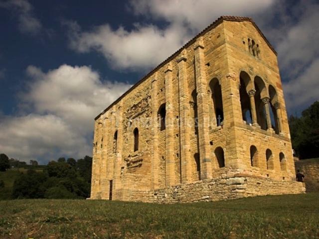 AT. Casa de San Andres en Arriondas (Asturias)